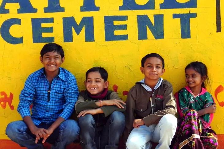 Gujarat_Ratnal_HappyKids - The colours of Kutch