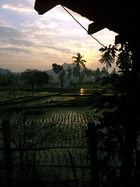 Hampi_GowriResorts_Sunrise1 - Magical sights of Hampi