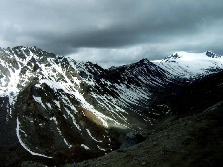 Leh - Snow en route to Khardung La - Eight things we learned in Ladakh