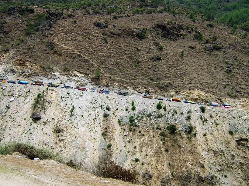 Bhutan - Mountain traffic jam