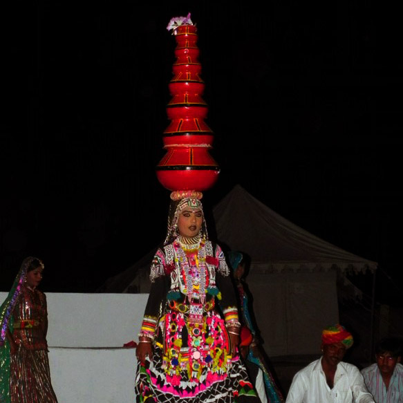 Jaisalmer - Pot dancer