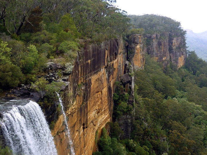 Sydney - Southern highlands waterfall