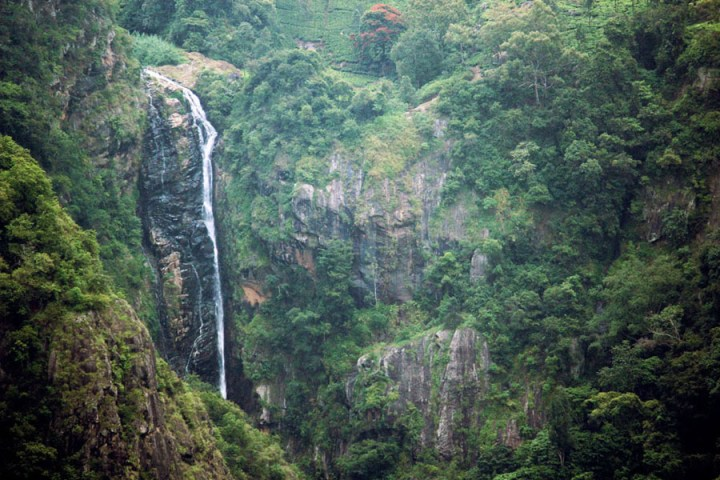 Coonoor - Dolphins nose waterfall - an escape from the summer heat