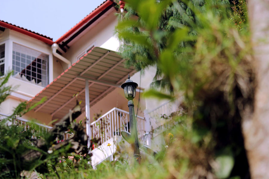 Coonoor - Great escape - Garden lamp