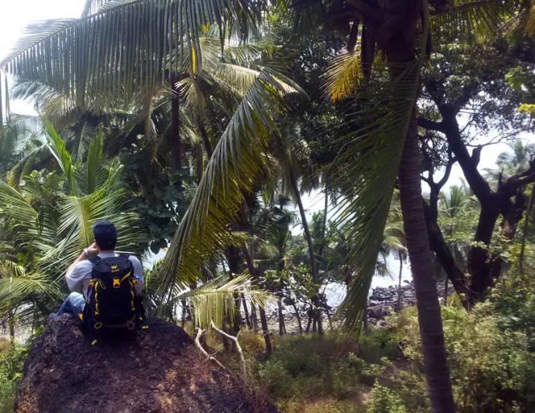 Agonda - Cabo de Rama - Taking a break on the path down - perfect base for a Goa trip