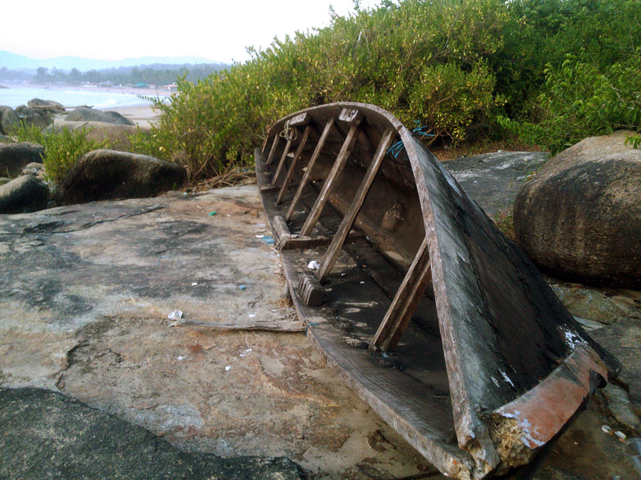 Old abandoned boat at Agonda, Goa, India - perfect base for a Goa trip