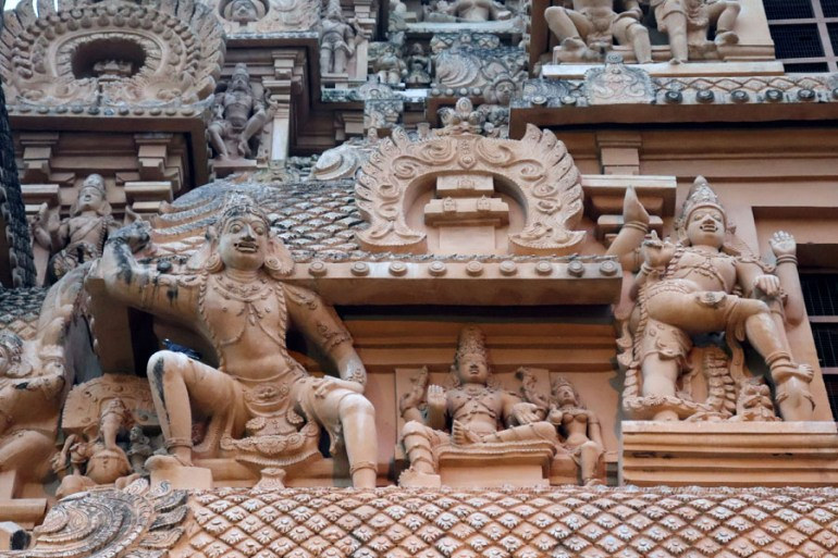 Thanjavur - Figures on outer gopuram - Temples of Madurai and Thanjavur
