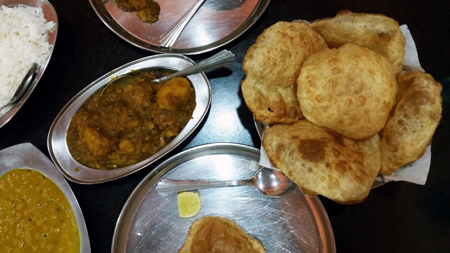 Good restaurants for veg food - Sarkars Kitchen combo - vegetarian food in Hyderabad