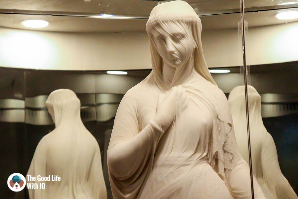 veiled rebeccaThings to do on the weekend in Hyderabad: The chaotic but interesting Salar Jung Museum