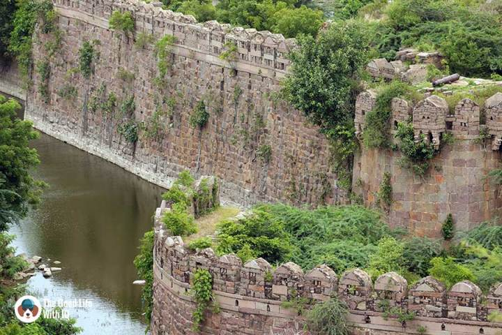 Ramparts and moat at petla burj - The outer ramparts of Golconda Fort