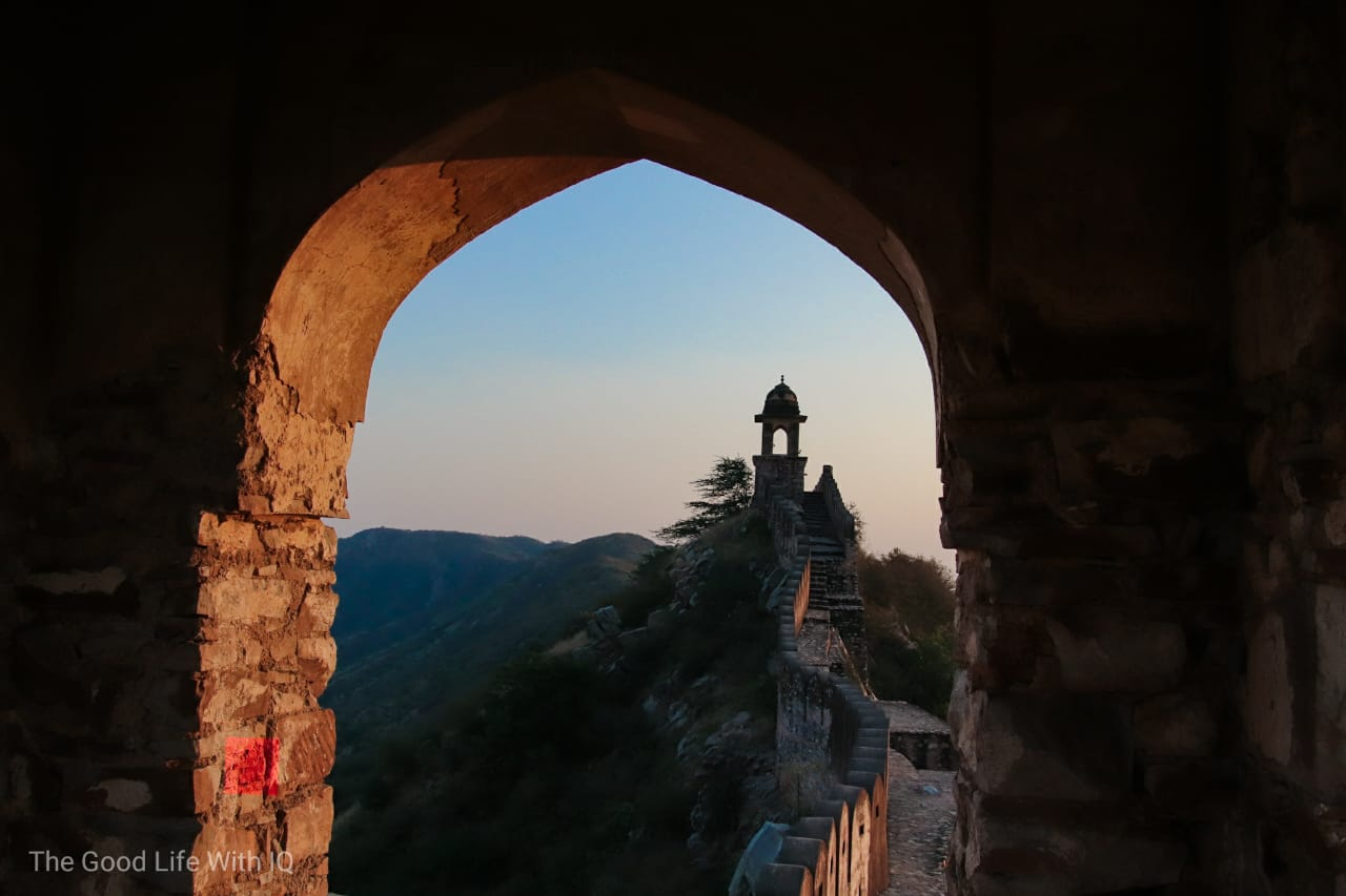 Watchtowers on Amer Fort outer wall, Jaipur