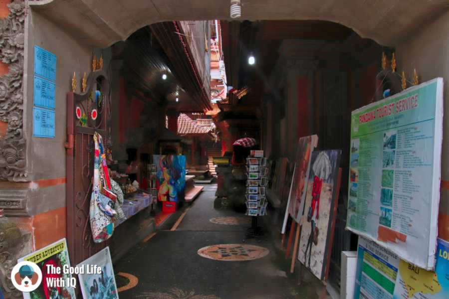 Arty alley, Ubud, Bali