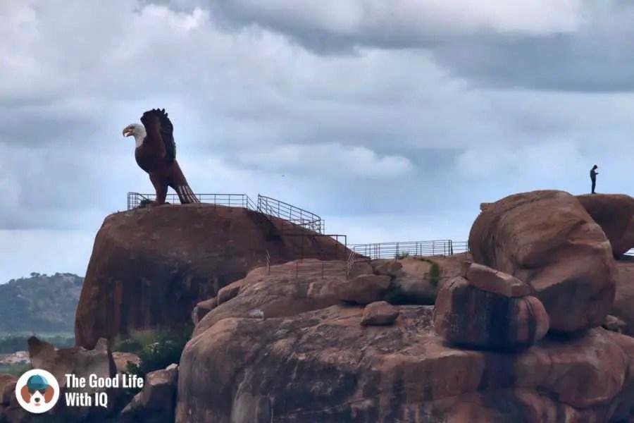 Jatayu statue - Day trip to Lepakshi