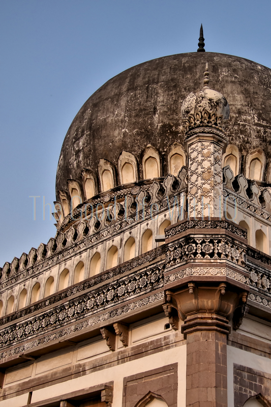 Vertical image of Mohammad Quli Qutb Shah's tomb in Hyderabad (preview)