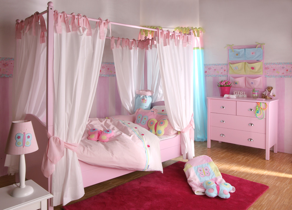 Modern Girl Canopy Bed With Curtains