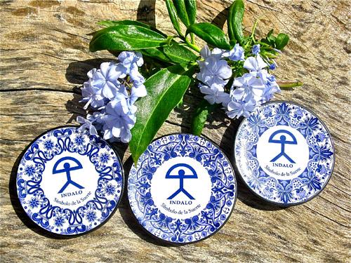 Ceramics with Indalo symbol luck