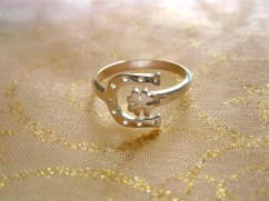 Clover and Horseshoe lucky ring