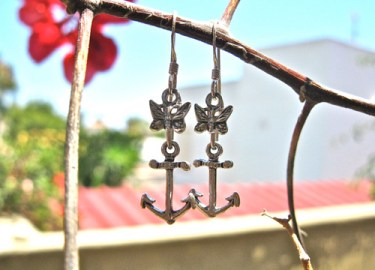 Anchor earrings with butterfly