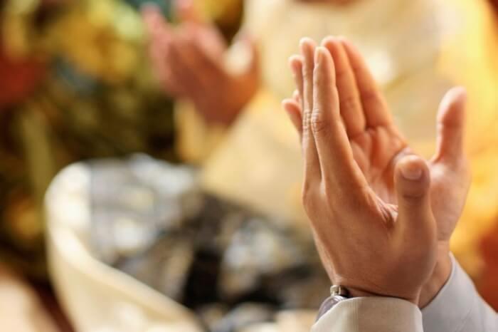 Doa Menjenguk Orang Sakit