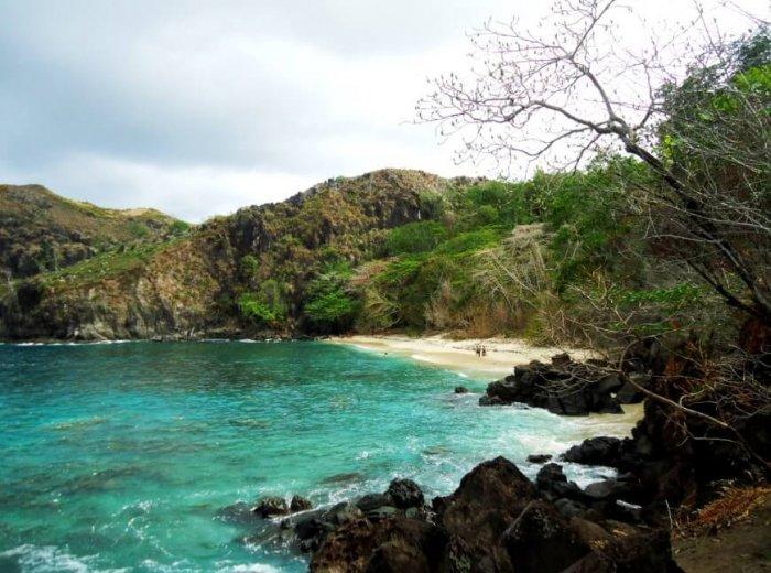 Gambar Pemandangan - Pantai Pulisan Minahasa Utara