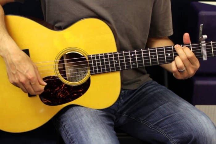 Memahami Bahwa Gitar Memiliki 12 Fret