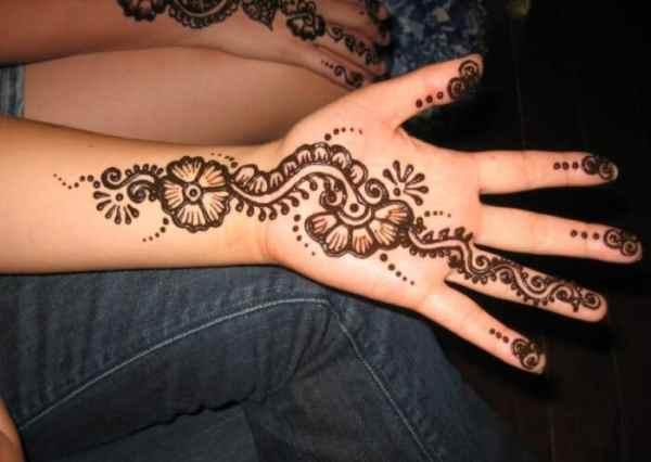 Motif Henna Pemula
