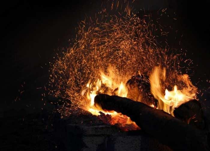 Gambar Abstrak Api