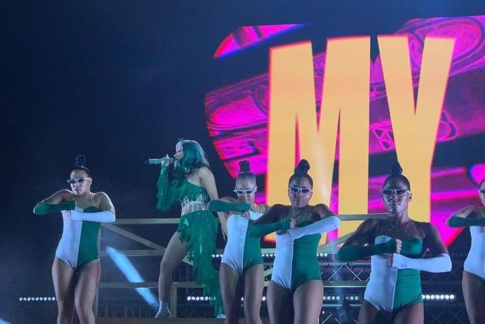 Watch Cardi B's Spectacular Stage Performance With Her Dancers In Nigeria