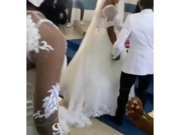 Drama In Church As Pastor Aggressively Stops Young Man From Proposing To His Daughter