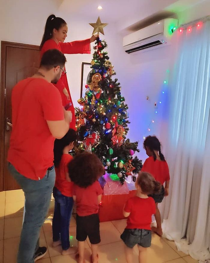 Nadia Buari Posts Photos Of Husband, Kids And Siblings On Christmas Day