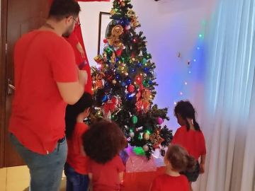 Nadia Buari Posts Photos Of Husband, Kids And Siblings On Christmas Day