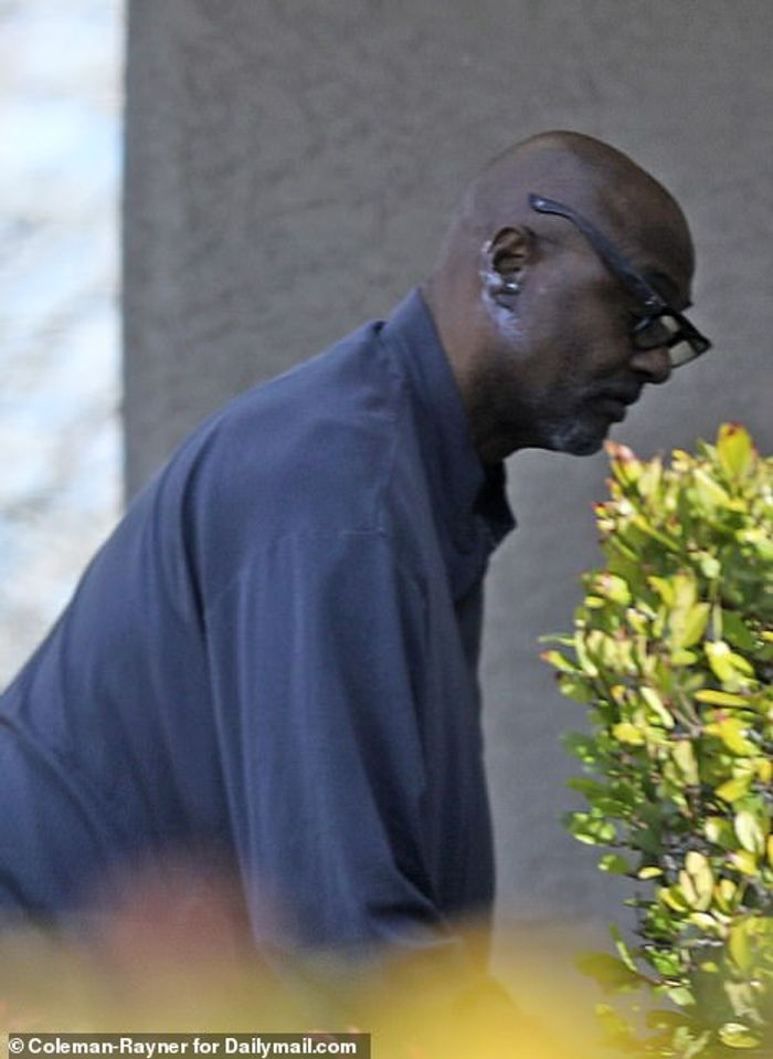 PHOTOS Of Kobe Bryant's Father Joe Bryant, Surface Online After The Helicopter Crash