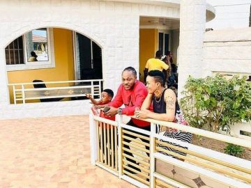 Keche Andrew Is Perching With His Wife In Her Plush Mansion; Check Out The Videos
