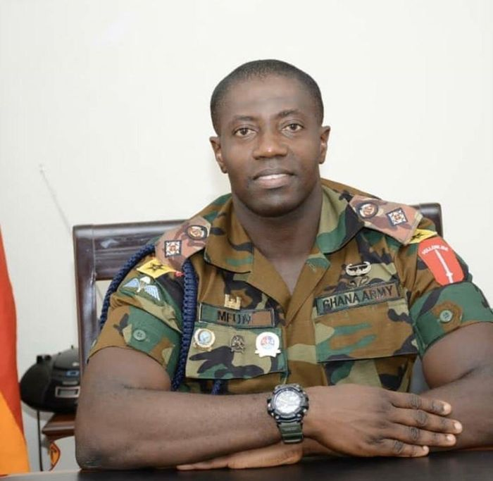 Photos Of Intelligent Ghanaian Soldier Who Educated People In Trotro On Coronavirus Go Viral