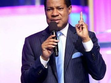 Pastor Chris Ignorantly Explains With A Diagram That COVID-19 Vaccine Is The Mark Of Beast
