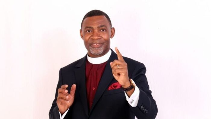 VIDEO: Reverend Lawrence Tetteh Reveals Why Some Ladies Are Still Single - And His Revelation Is Scary