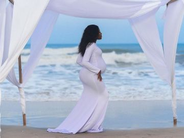 """Glory Be To God"" - Fella Makafui Confirms Welcoming First Child With Medikal"
