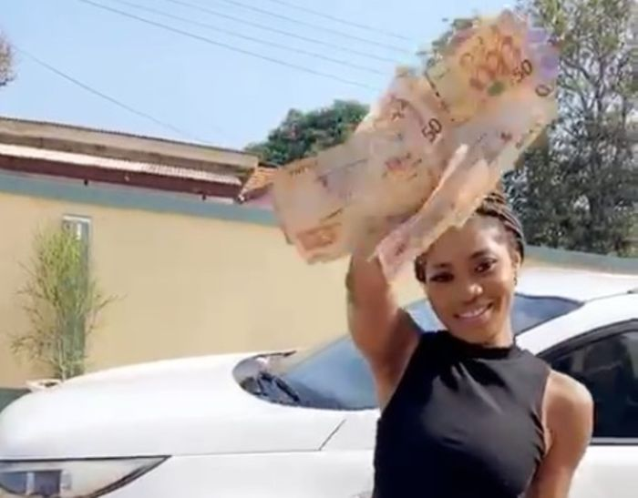 Video: Funny Moment As Eazzy Sprays Money And Go Chasing After It