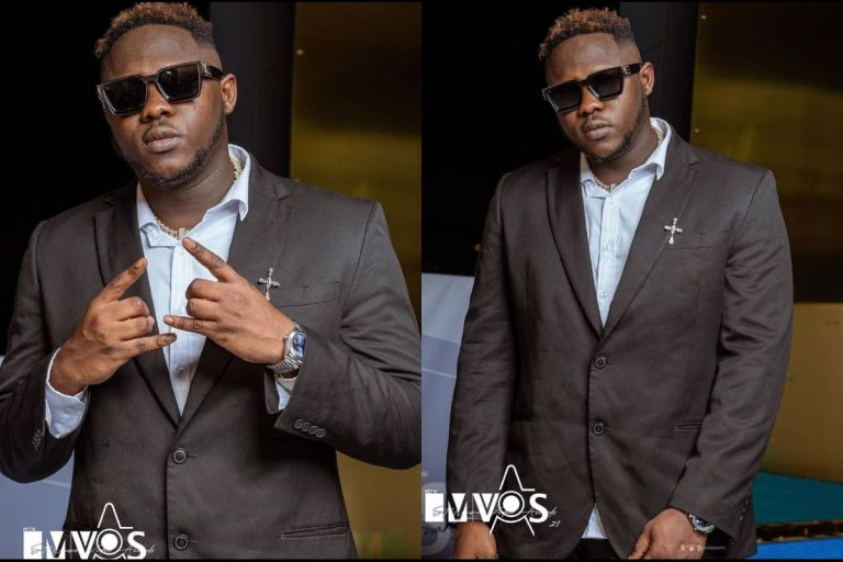 PHOTOS: Medikal Trolled For Wearing A 'Kantamanto' Suit To 4Syte TV's Music Videos Awards