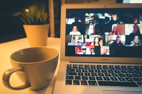 Read more about the article Your Guide to Ace Your Next Video Interview