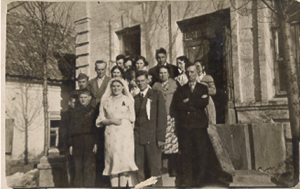 Victor's wedding in Nikopol.  Opa's father had returned from Siberia.  He stands on the right, arms folded.  Opa is standing in the first row next to Victor's wife Klara
