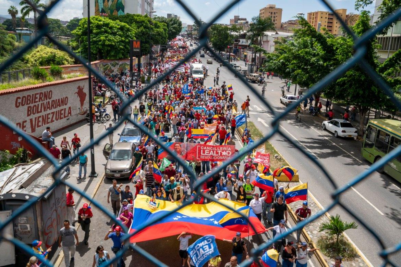 Venezuela no more Trump protest fence