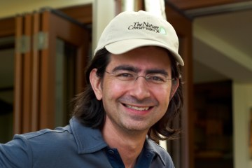 Pierre Omidyar Ebay billionaire oligarch funding media