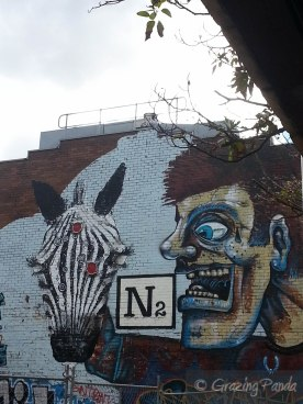 N2 Grafitti outside