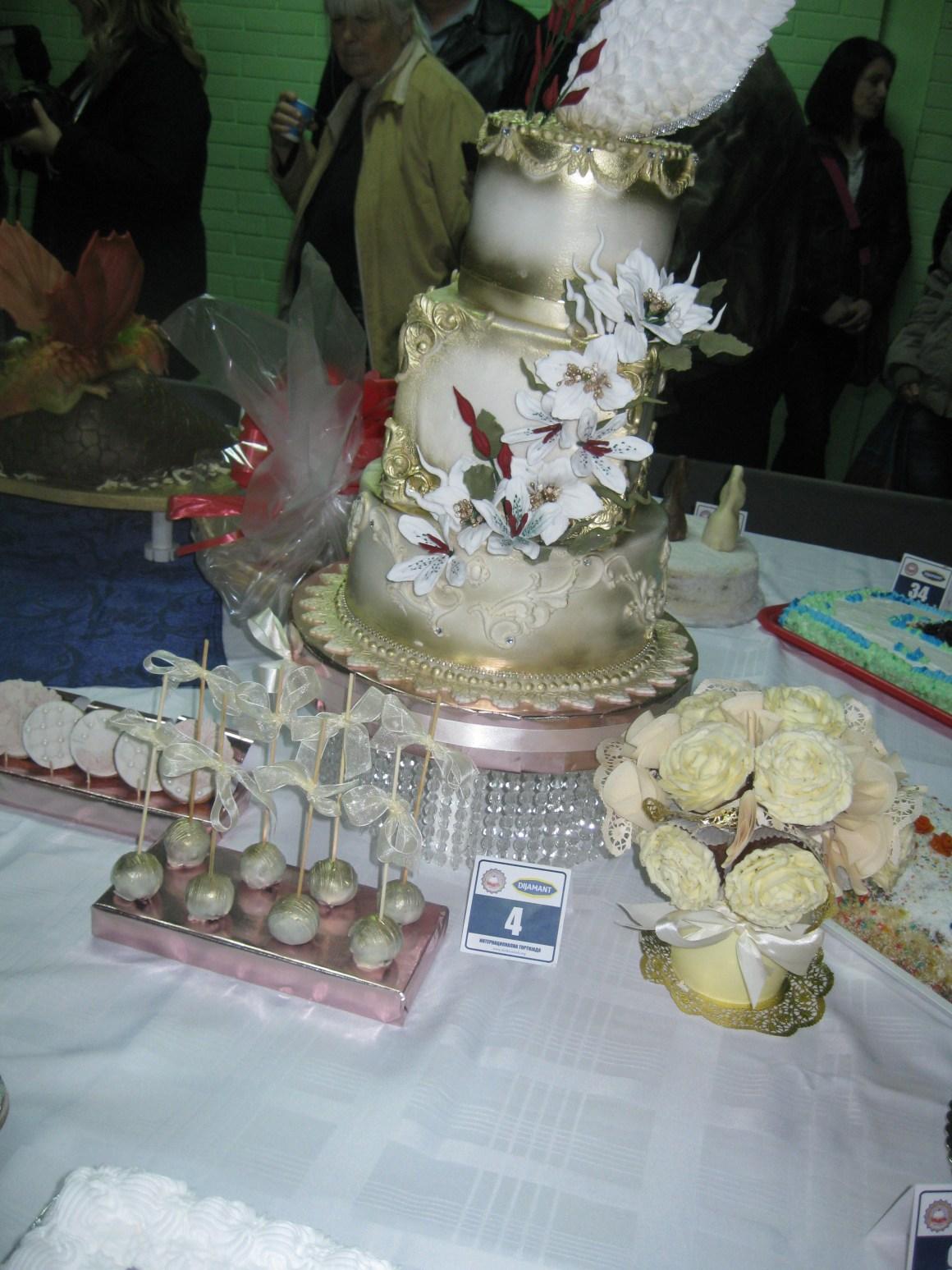 галерија торти са хуманитарне тортијаде