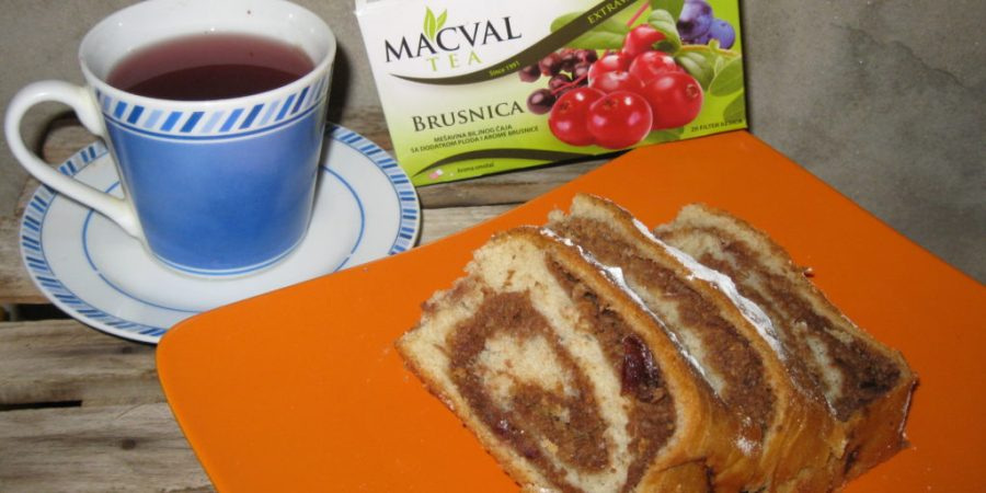 Посна штрудла са чајем од брусница