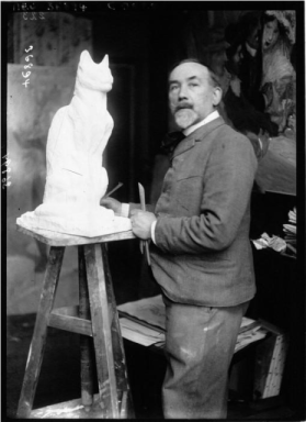 Steinlen Sculpting a Cat Photo by Agence Meurisse