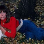 Jaime Lee Curtis with cat