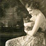 Ganna Walska (Polish opera singer) with a cat, ca. 1921.