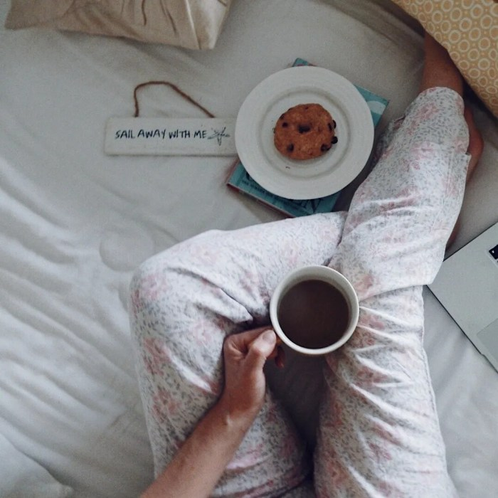 Perfect Slow Sundays Easy Sunday Breakfast In Bed Coffee Tea Slow Living